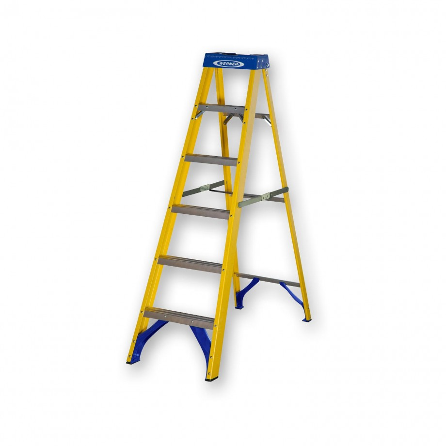 Werner Fibreglass Swingback Stepladder Trade 6 Tread