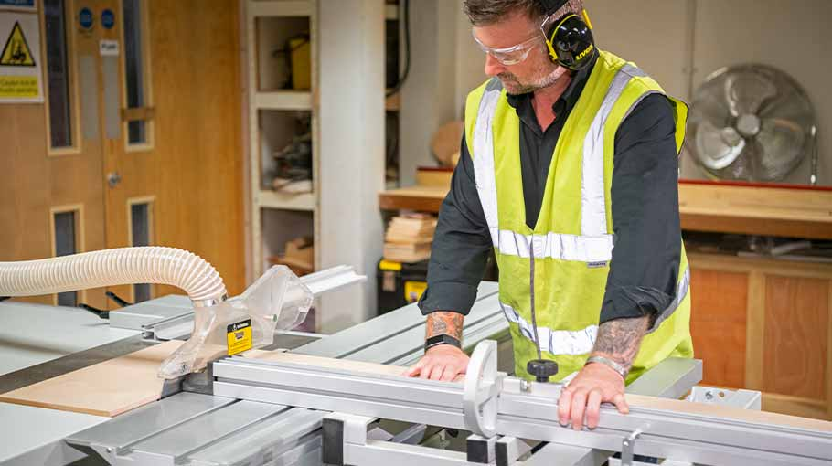 Axminster Trade AT254PS16 Panel Saw